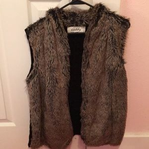 Jackets & Blazers - Women's fur vest